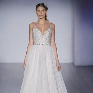 Roxanne Wedding Dress by Hayley Paige